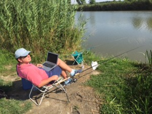 """Fishing"" experiment with online data analysis"